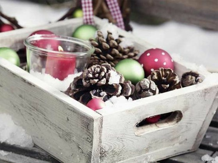 fensterdeko-weihnachten-basteln-zapfen-weihnachten-kugel