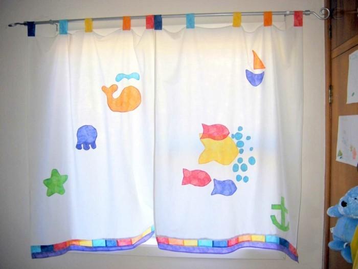 kinderzimmer-fensterdeko-schone-vorhange-mit-mustern
