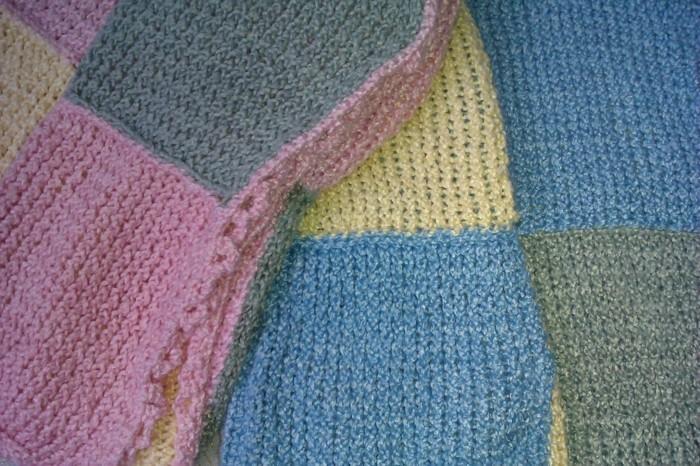 babydecke-haekeln-in-vielen-farben