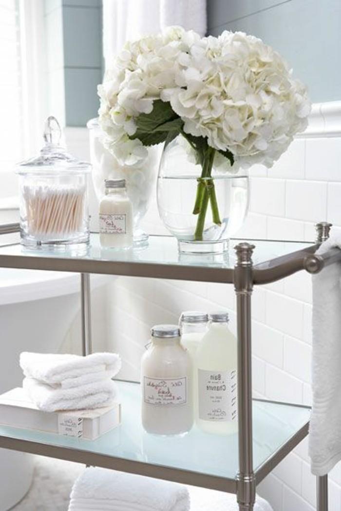 badezimmer-deko-bader-ideen-accessoires-weise-blumen