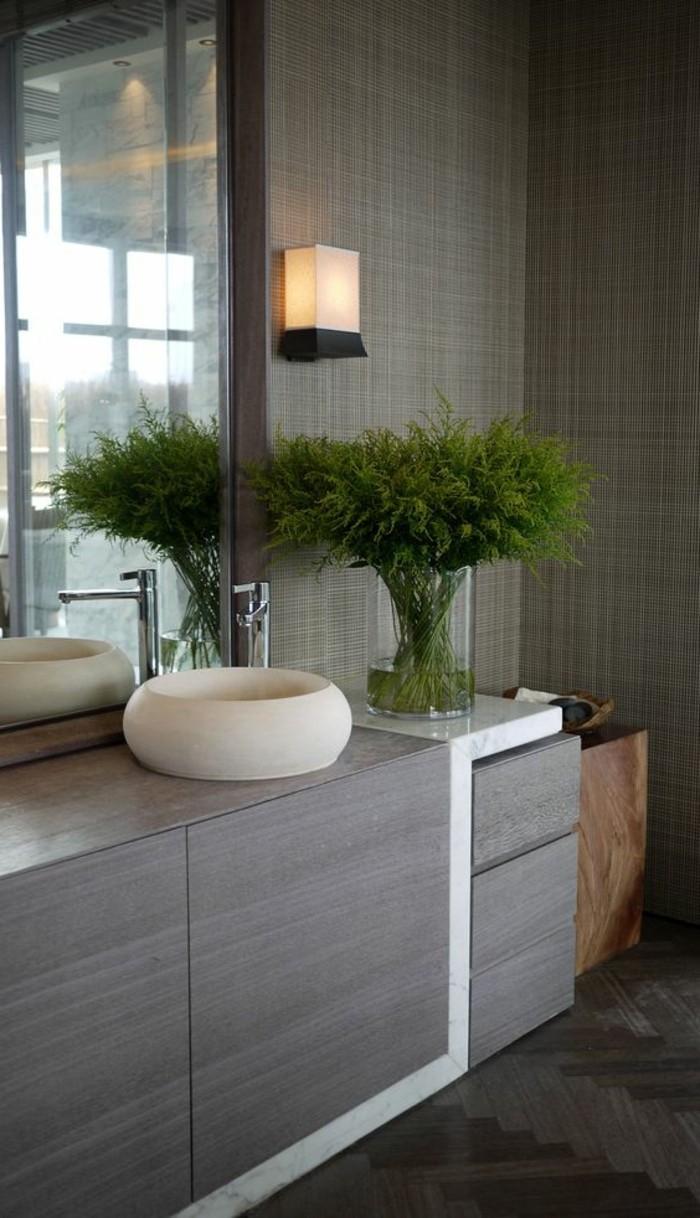 badezimmer-deko-boder-ideen-badezimmer-in-grau-und-weis-mit-pflanze