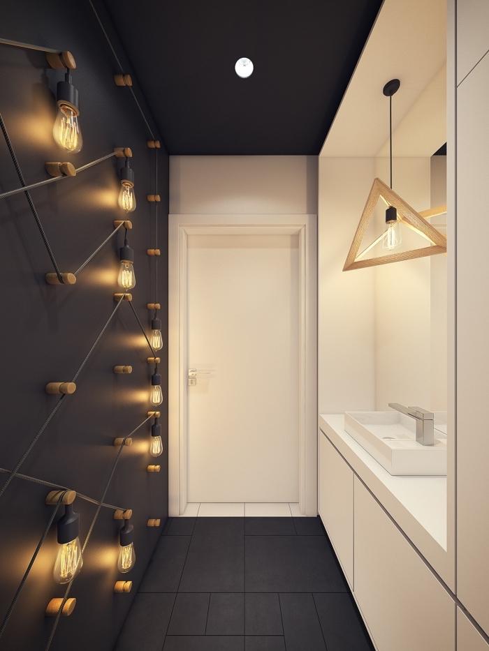 badezimmer dekorieren, kleines bad einrichten ideen, viele lampen, badezimmerbelecuhtung