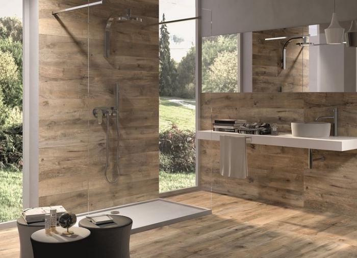 modernes bad in naturfarben, fliesen in holz optik, badezimmer einrichtung im minimalistischen stil