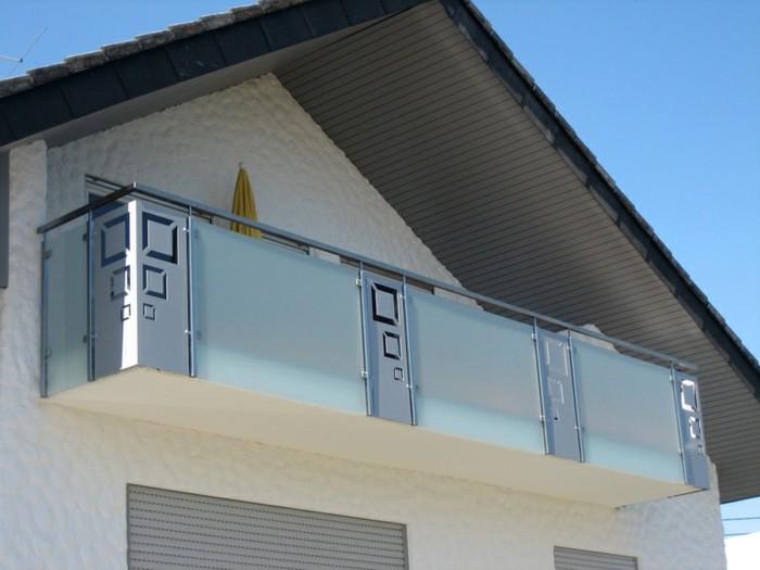 balkongelander-undurchsichtiges-glas-glas-sichtschutz-terrassen-sichtschutz-glas