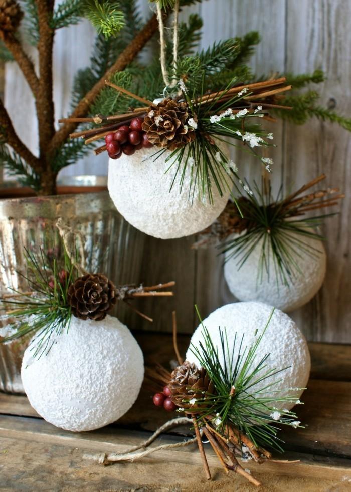 basteltipps-weihnachten-weise-kugeln-mit-deko