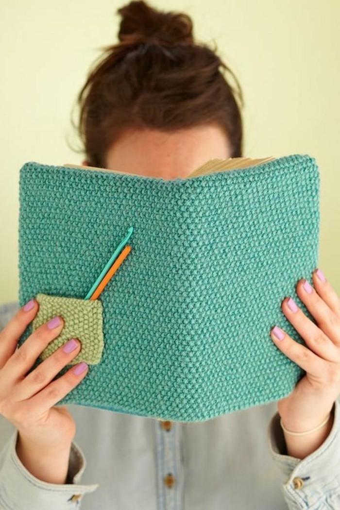 buchumschlag-selber-machen-buch-selbst-gestalten-gestrickter-buchumschlag-lesen-sie-gerne