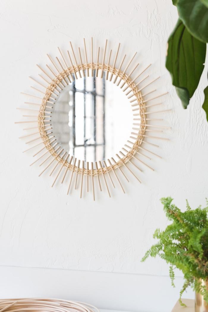 diy ideen für zuhause, runder spiegel mit rahmen aus raten, sonnenspiegel basteln