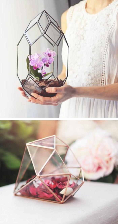 deko-tipps-glaeser-mit-rosa-blumen-dekoration