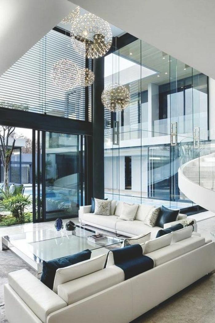 designer-wohnzimmer-in-beige-und-dunkle-blau-gestalten