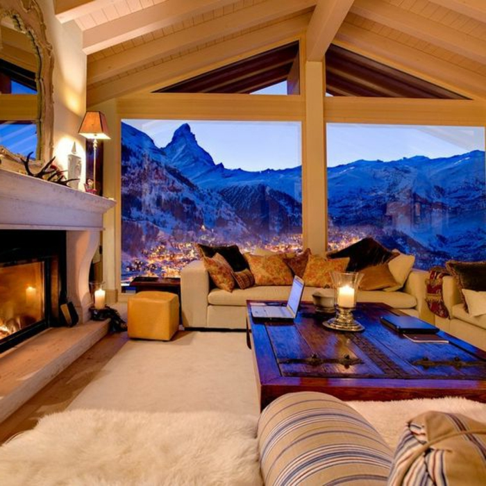 designer-wohnzimmer-in-honigbraun-und-beige-gestalten