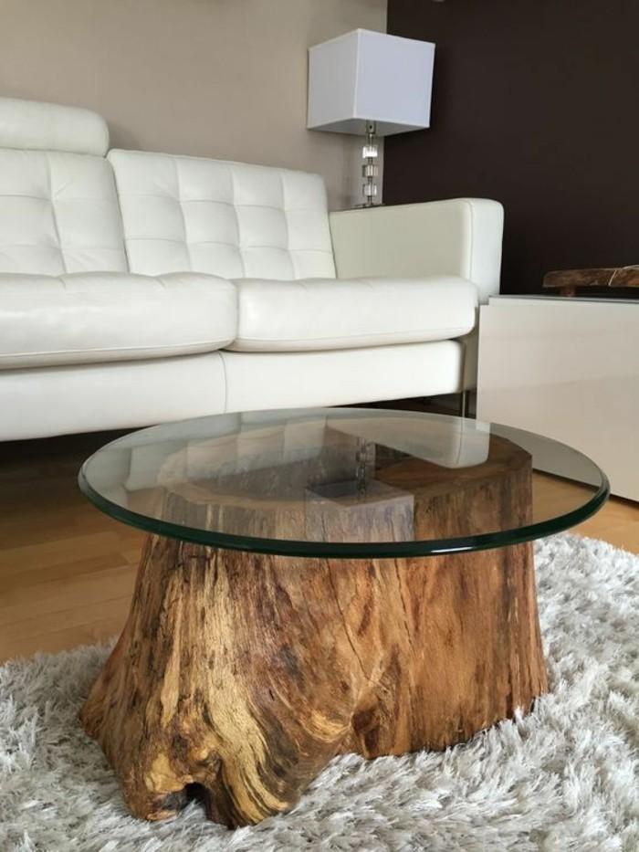 diy-moebel-do-it-zourself-moebel-tisch-aus-holz-und-glas-weisser-sofa