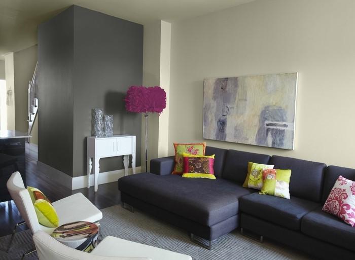 farbgestaltung waende grau leinwand dunkle couch farbige kissen farbgestaltung wohnzimmer - Farbgestaltung Wohnzimmer Grau