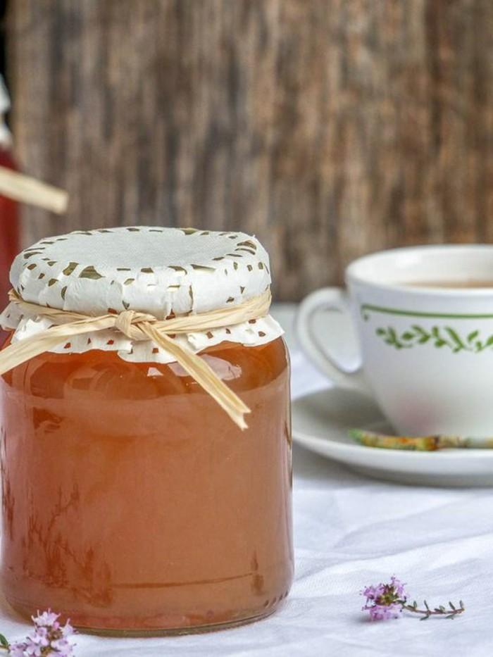 geschenke-aus-der-kuche-hausgemachte-honig-im-glas-schenken