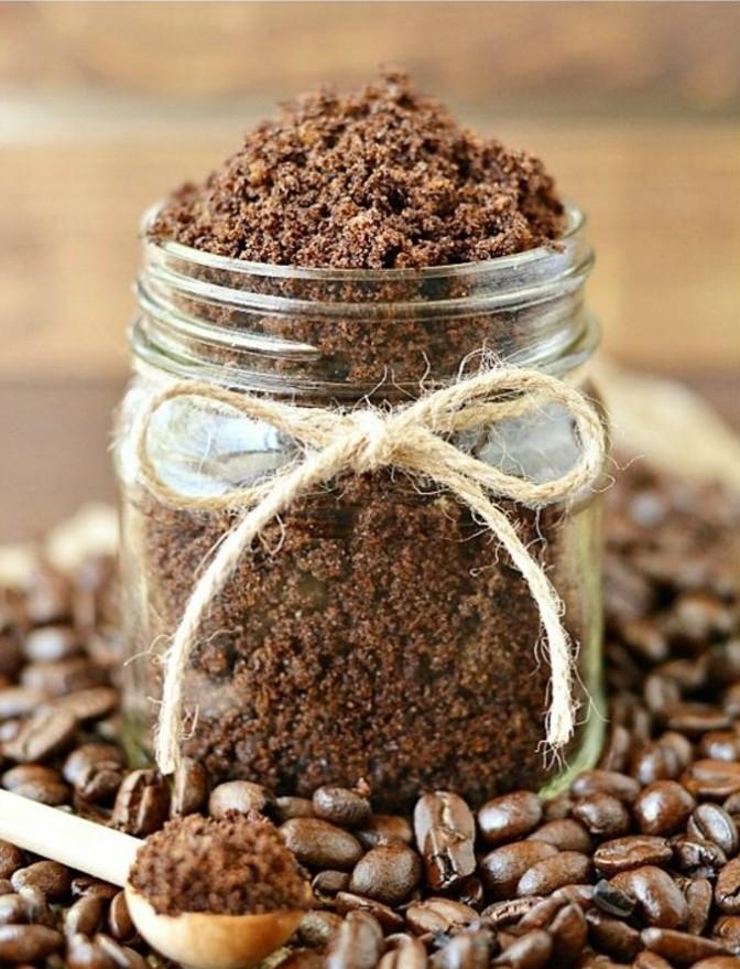 geschenke-aus-der-kuche-kaffee-pilling-nutzliches-geschenk-fur-schone-haut
