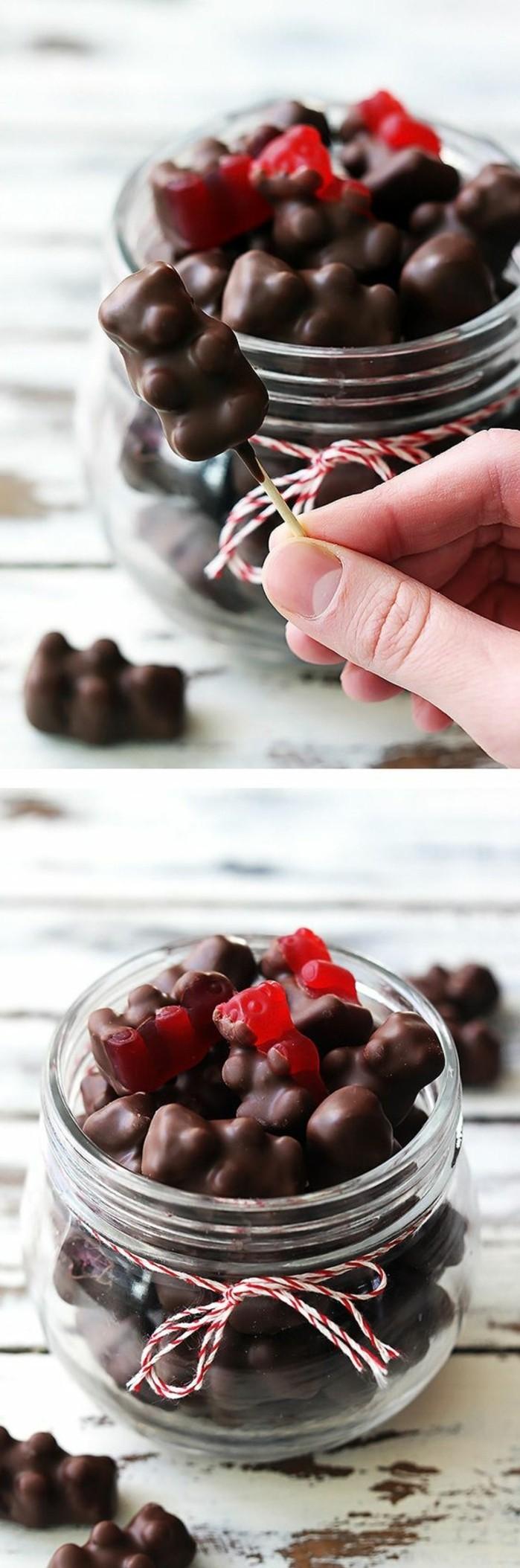geschenke-aus-der-kuche-mit-schokolade-uberzogenen-gummibarchen