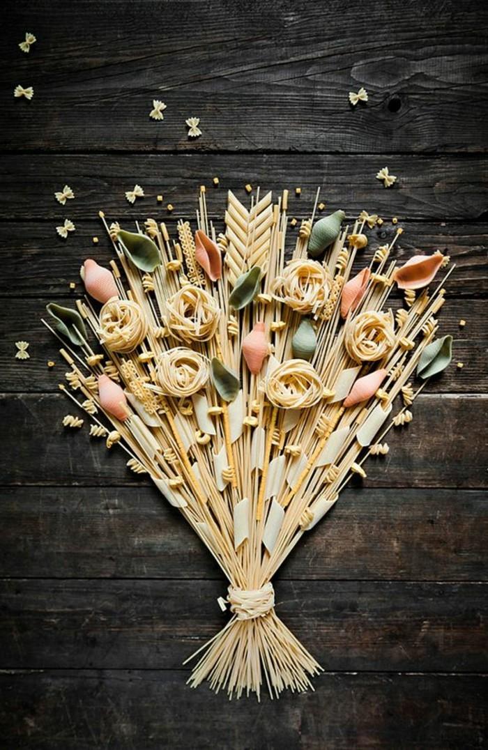 geschenke-aus-der-kuche-pasta-spagetti-straus-deko-geschenk-aus-der-kuche
