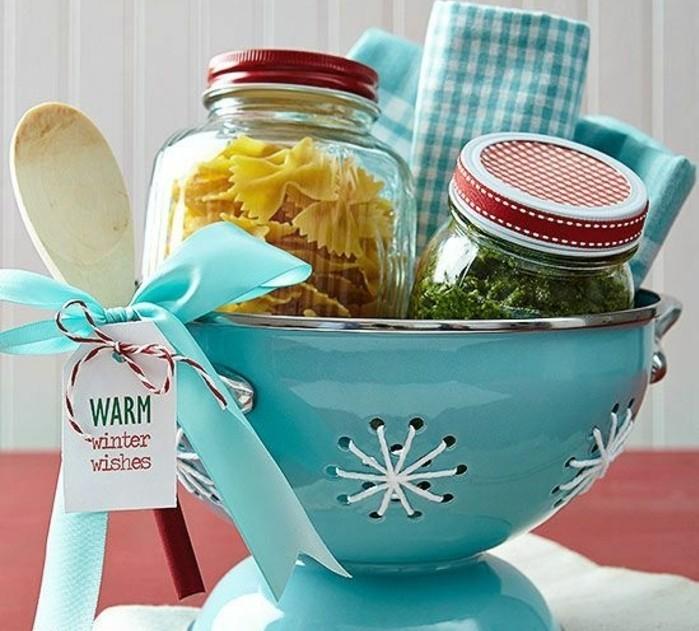 geschenke-aus-der-kuche-tolle-gestaltung-des-geschenks-lustige-buchse-in-blau