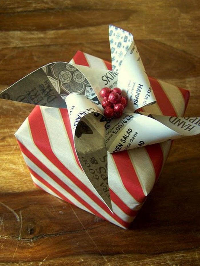 geschenkverpackung-geschenkbox-verpackung-in-rot-und-weis-schleife