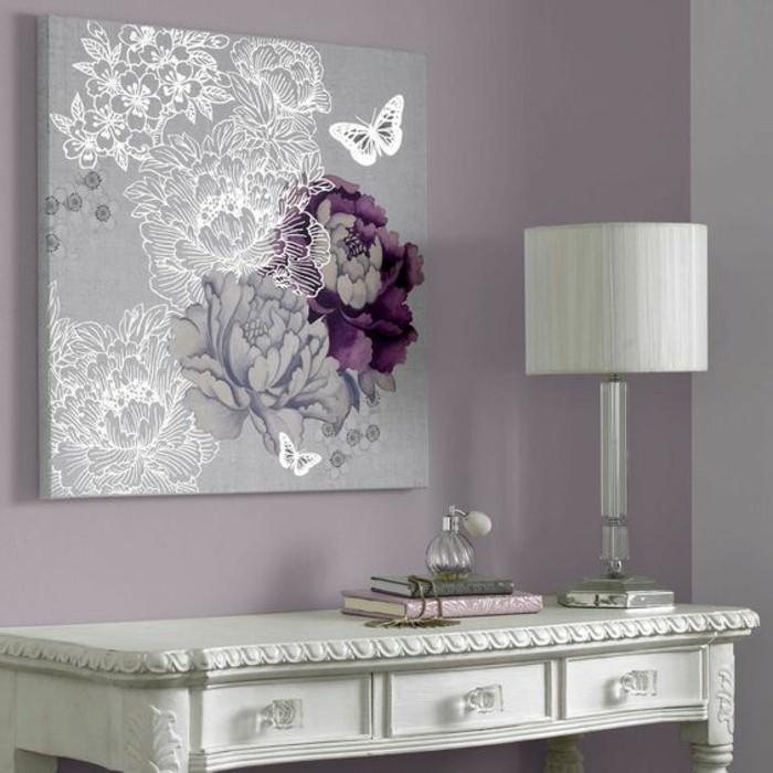 Gestaltung Schlafzimmer Lila Weisser Tisch Bild Mit Blumen