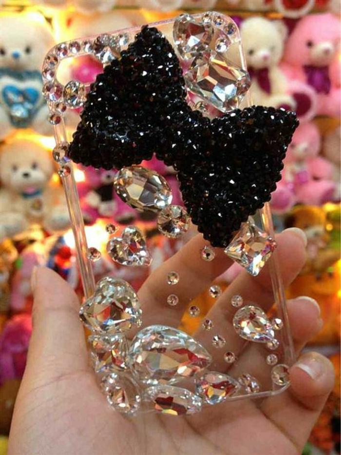 handyhulle-selbst-gestalten-handy-hullen-mit-diamanten-gestalten