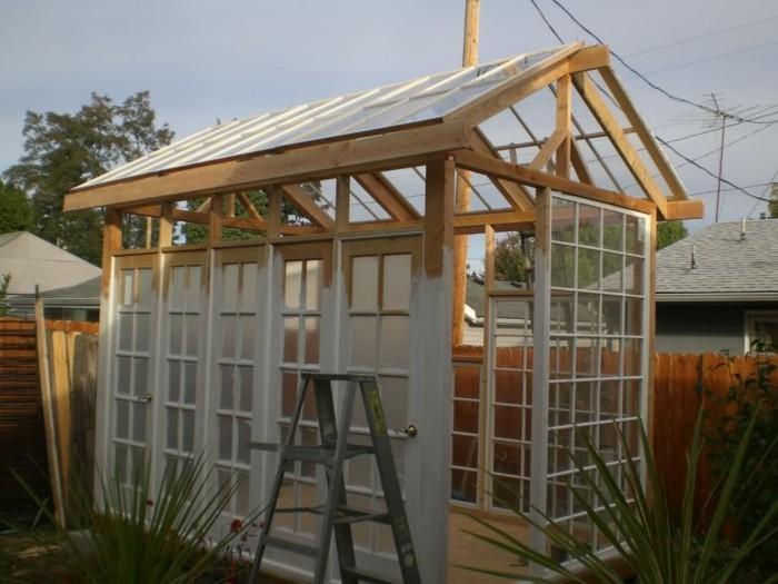 kleines-gewachshaus-bauen-kleine-gewachshouser-gewachshaus-gunstig-gewachshaus-glas