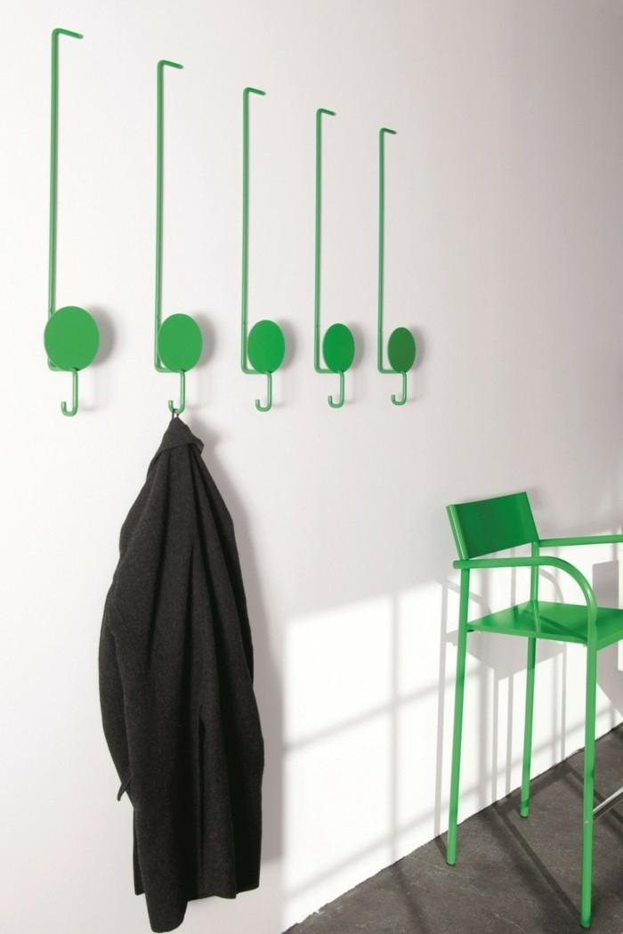 kreative-garderobe-im-einklang-mit-den-mobeln