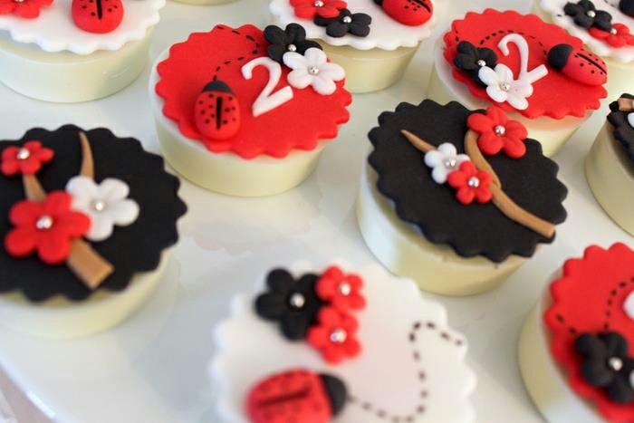 marienkafer-basteln-cup-cake-dekorieren