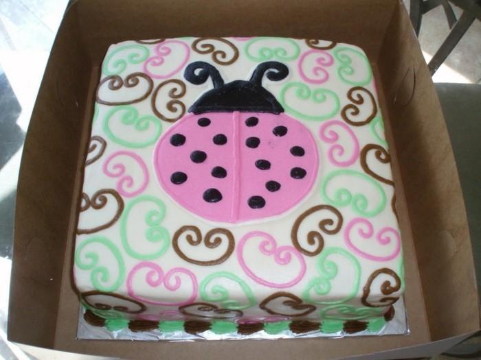 marienkafer-basteln-eine-ganze-torte