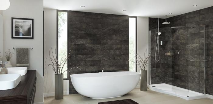 modernes badezimmer bilder, baddesign in weiß und schwarz, fliesen in naturstien optik, ovale freistehende badewanne