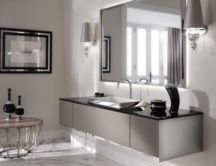 baddesign in schwarz und silbern, modernes badezimmer bilder, großer eckiger spiegel, silberner waschbecken mit unterschrank