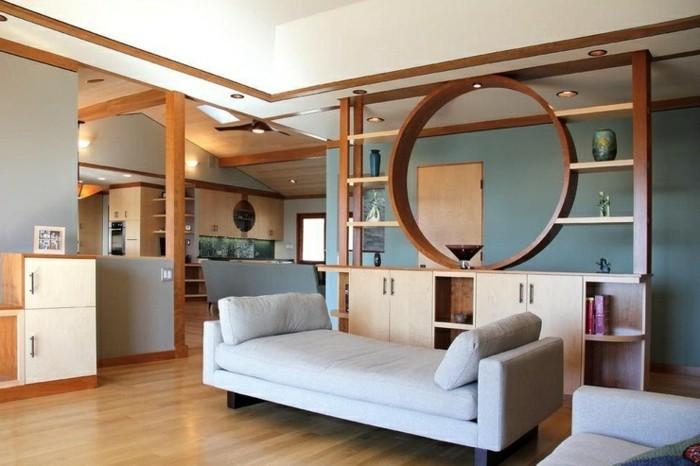 offener-bucherregal-raumteiler-trennwand-regal-wohnzimmer-regale-als-raumteiler-holzboden,holzregal-weiße-couch