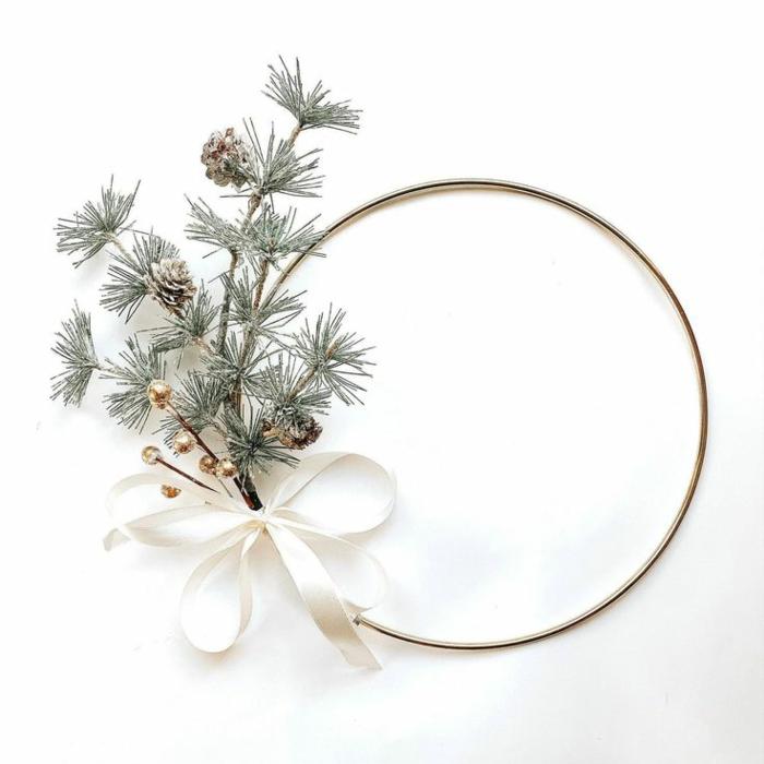 schöne bastelideen weihnachten minimalistischer weihnachtskranz selber machen mit tannenzweigen und tannenzapfen