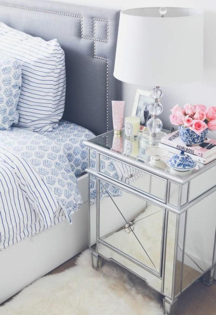 schlafzimmer-dekorieren-deko-schlafzimmer-weisse-lampe-rosen-kerzen-weisser-teppich