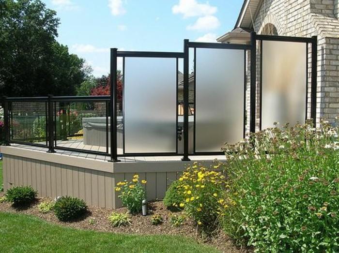 sichtschutz-aus-glas-modern-glas-sichtschutz-terrassen-sichtschutz-glas