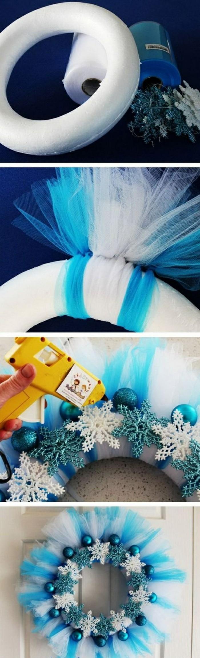 tuerkraenze-weihnachten-aus-weissen-und-blauen-schleifen-blaue-weihnachtskugeln-schleefloecken