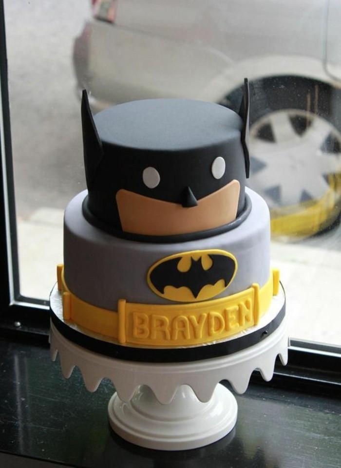 torte-zum-18-geburtstag-geburtstagstorten-batman-torte-held-motivtorte-superhero