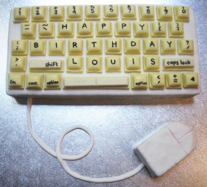 torte-zum-18-geburtstag-geburtstagstortencomputer-tastatur-kreative-geburtstagstorte