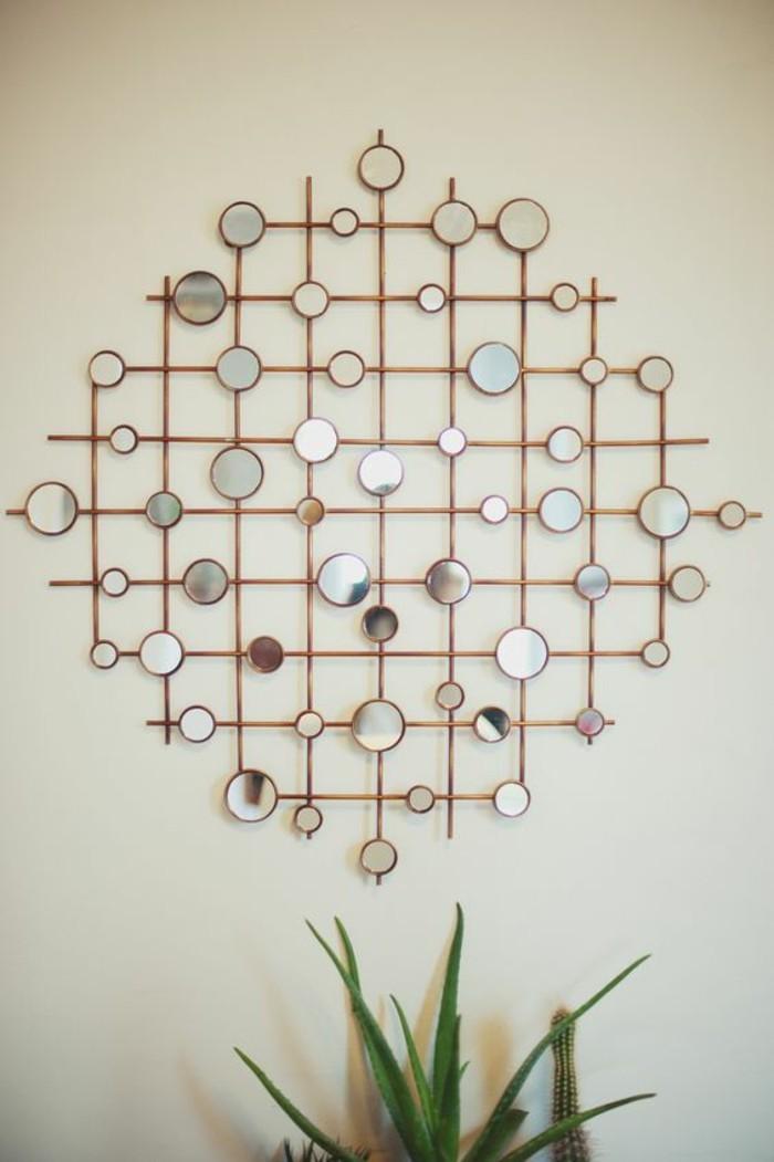 wanddeko-selber-machen-wanddekoration-ideen-kleine-runde-spiegel-holz