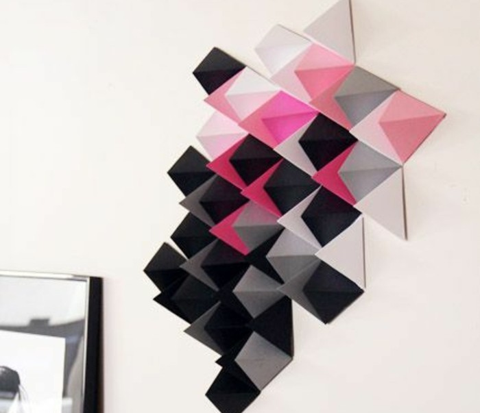 wanddeko-selber-machen-wohnideen-selber-machen-wanddeko-aus-papier-in-rosa-schwarz-und-grau