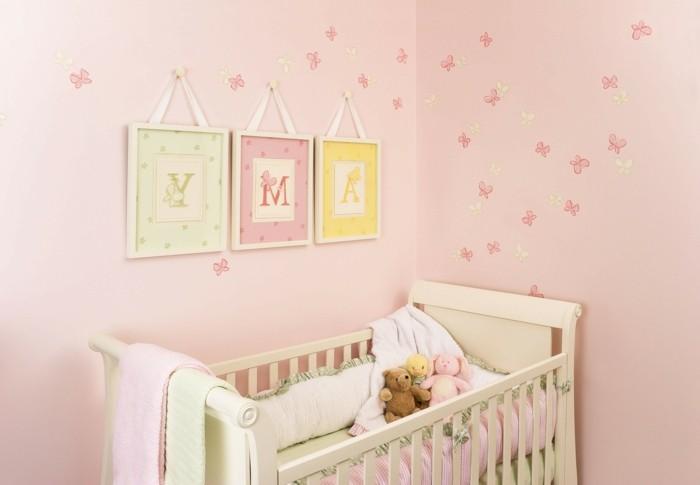 wandtattoos-fuer-das-babyzimmer