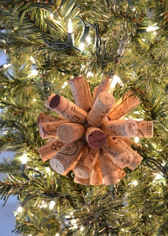 111-weihnachtsbastelideen-weihnachtskugel-aus-korken-selber-machen