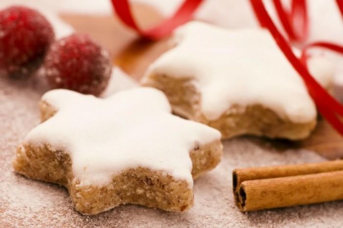 2dessert-zu-weihnachten-zimtstern-mit-puderzucker