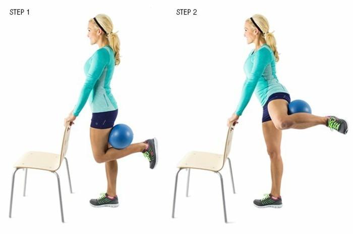 34oberschenkel-trainieren-turnuebungen-mit-beinegeraeten-ball-stuhl