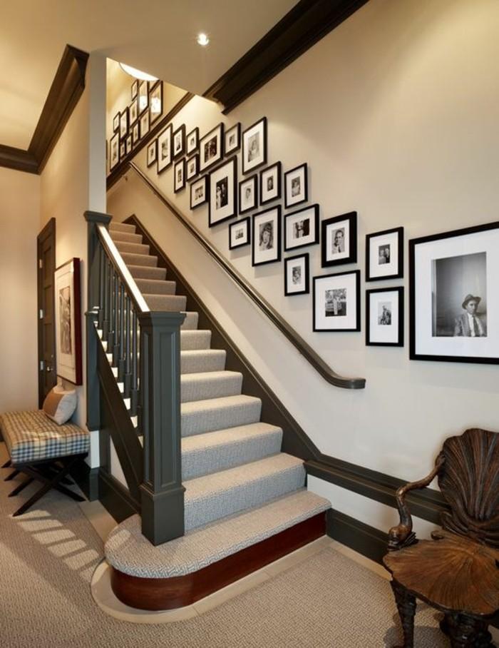 5-fotowand-ideen-treppe-holzerner-stuhl-hocker-hellbraune-wande