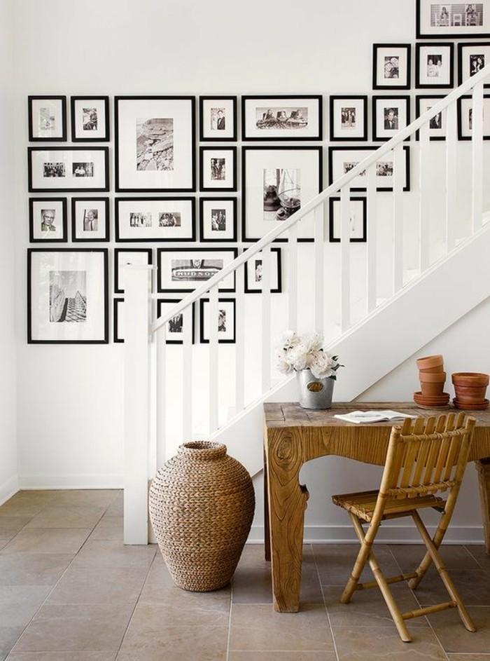 8-bilderrahmen-wand-treppe-rosen-tisch-stuhl-blumentopfe