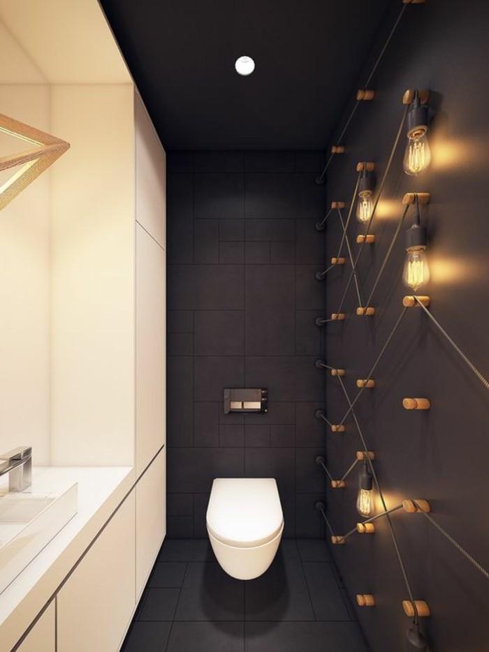 9-wandgestaltung-ideen-badezimmer-toilette-lampen-braune-fliesen-weiser-wachbecken