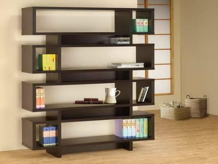 buecherregal-ideen-aus-holz-farbe-venge-mit-vielen-regalen-im-wohnzimmer