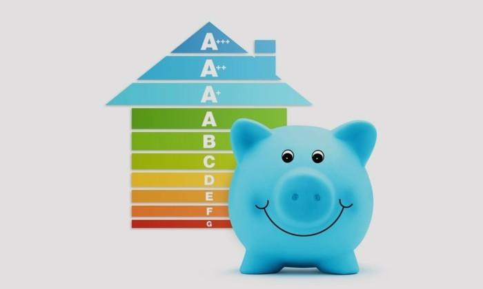 energieklassen-bei-elektrogeraten-geld-sparen-blaue-sparbuchse