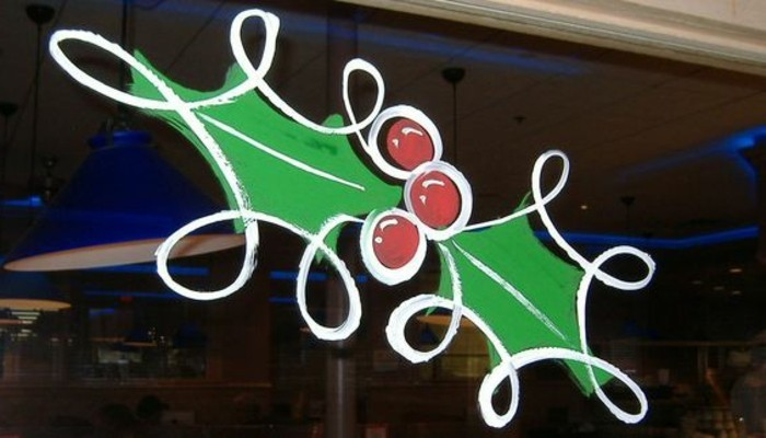 fensterbilder-weihnachten-basteln-mistelzweig-selbst-malen