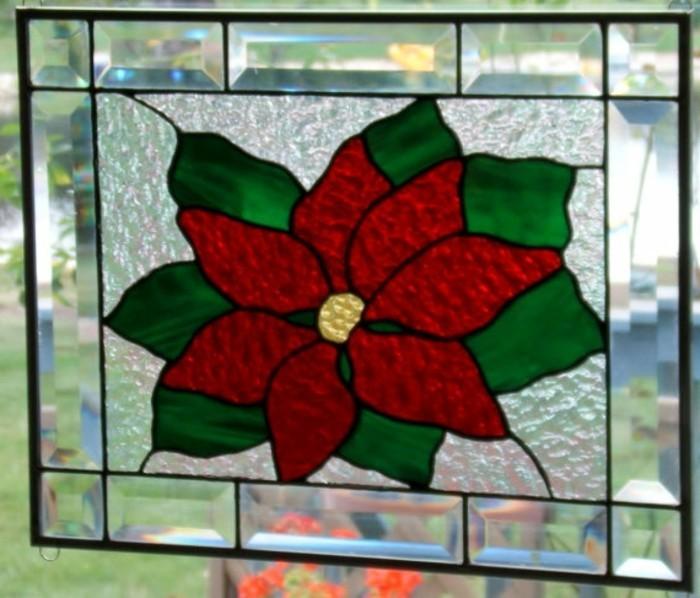 fensterbilder-weihnachten-farbig-weihnachtsstern